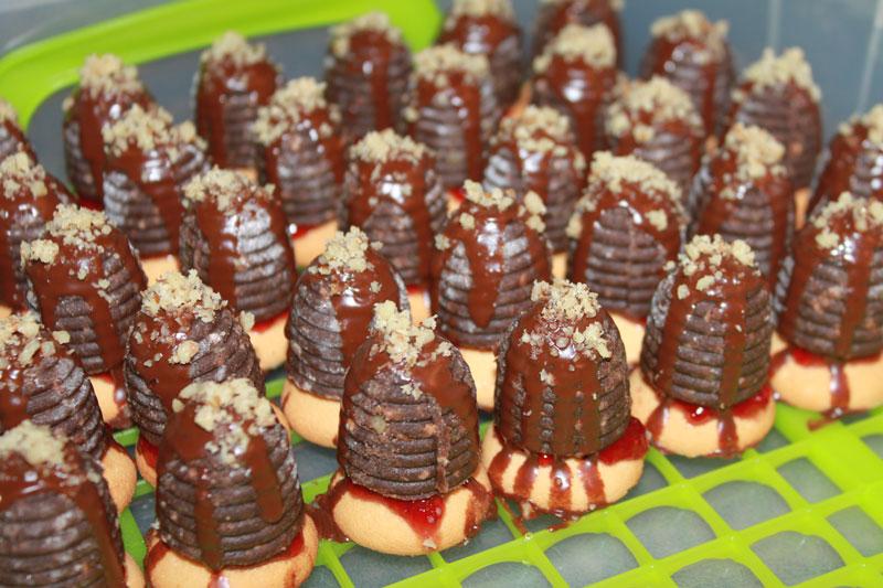 Úliky orechové, Nepečené koláčiky, Sladký život, vianočné koláče, piškóty, piškótové úliky, nepečené úliky, nepečené cukrovinky