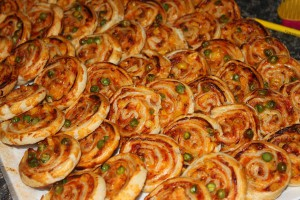 Zeleninové kolieska lístkové, pečenie, slané, lístkové cesto, kečup, syr, zelenina
