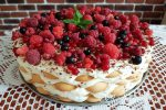 nepečená mascarpone torta s ovocím